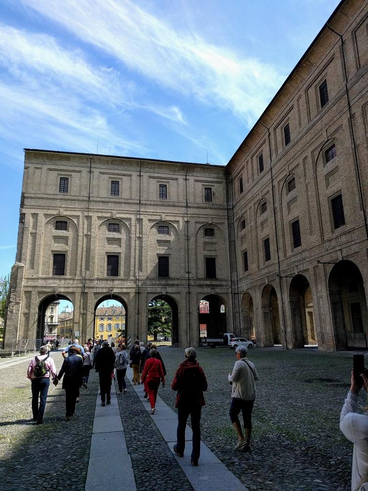 Parma - Palazzo della Pilotta - binnenkoer
