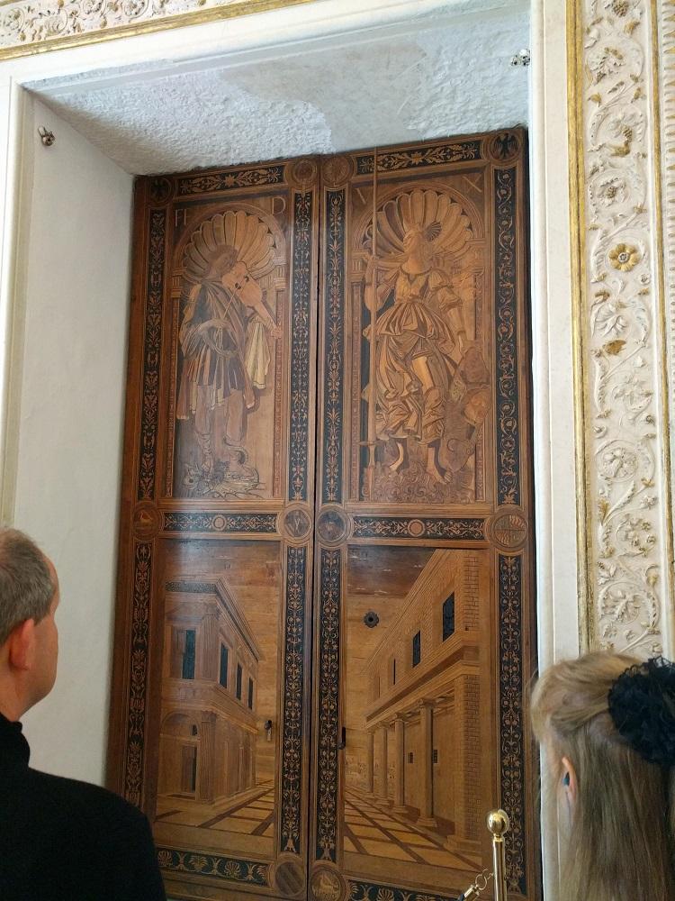 Urbino - paleis - deuren met houtinlegpatroon