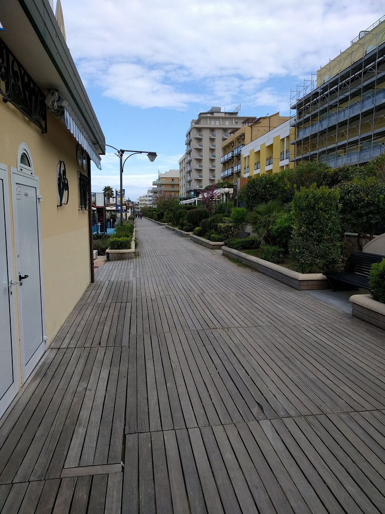 Cattolica - de promenade, een 'boardwalk'