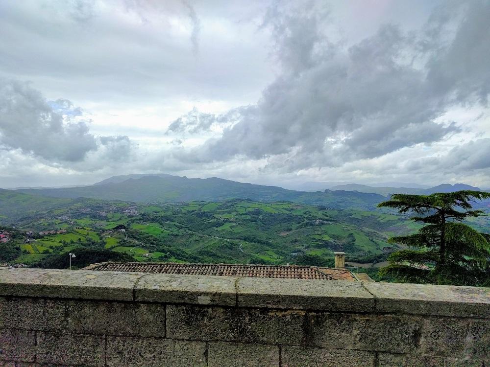San Marino - zicht op het Apennijnse landschap