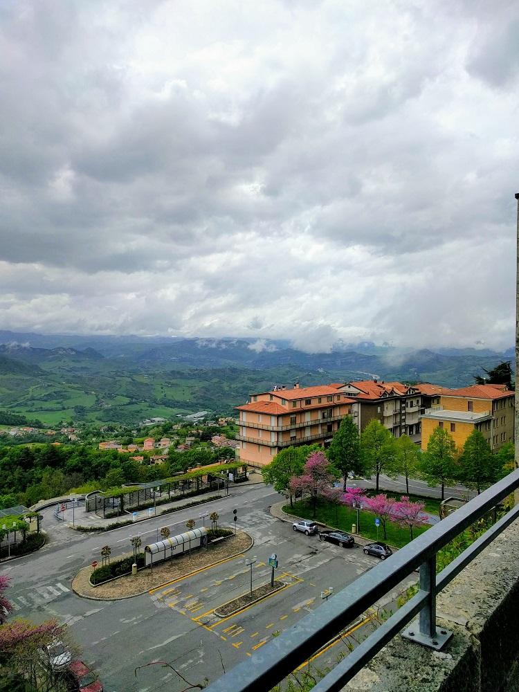 San Marino - zicht op het omringende landschap