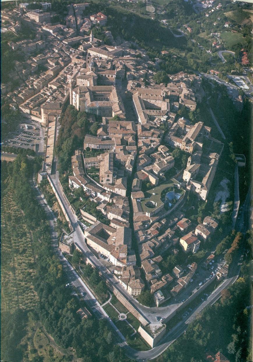 Luchtfoto van Urbino